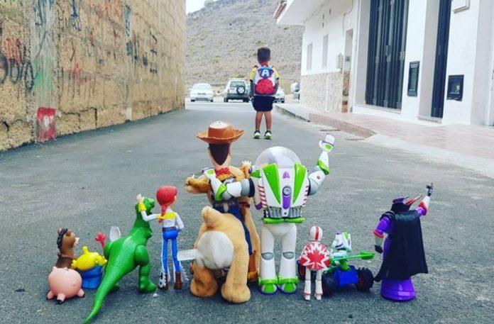 Berniukas is Tenerifes tapo internetine paziba pirmaja mokslo metu diena