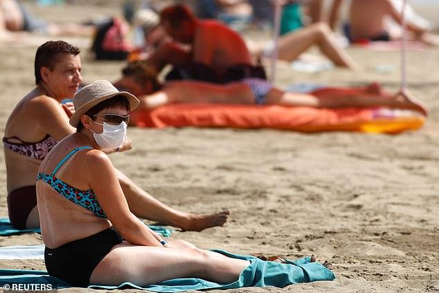 Į Tenerife atplusta nauja karsto oro banga