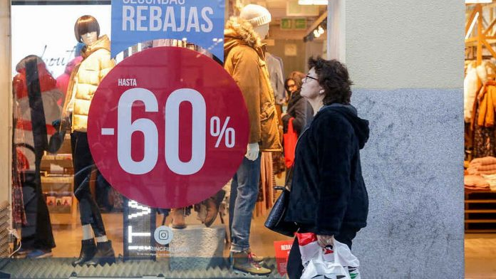 Ispanijos parduotuvese Inditex Tendam H&M El Corte Ingles prasideda ispardavimu maratonas.