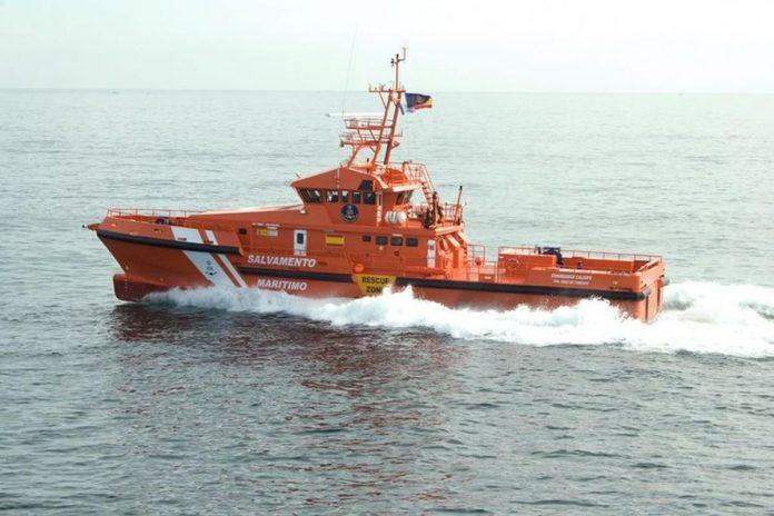 Dreifuojanciame laive i pietvakarius nuo EL Hierro salos rasti 17 zmoniu lavonai