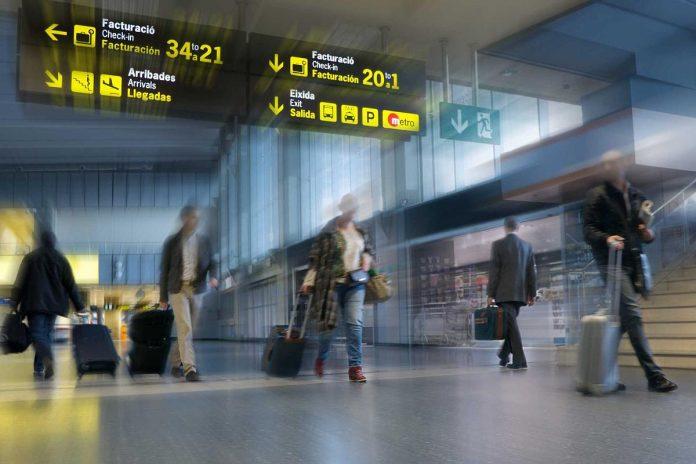 JK svarsto galimybe geguzes menesi leisti savo keliautojus i Kanaru ir Balearu salas