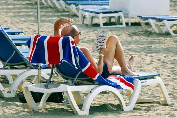 Jungtine Karalyste itrauks Kanaru salas i zaliaji kelioniu sarasa