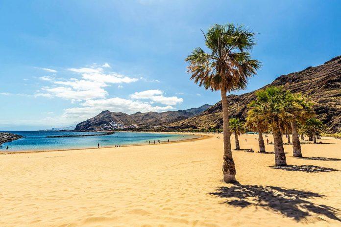 Kanaru salose siandien karsta ir sauleta