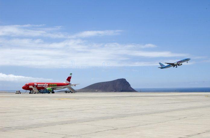 Kanaru salos reikalauja, kad valstybe skatintu susisiekimo atkurima oro transportu