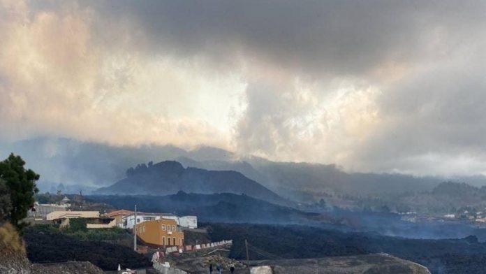 La Palma ugnikalnis staiga liovesi skleisti lava ir pelenus