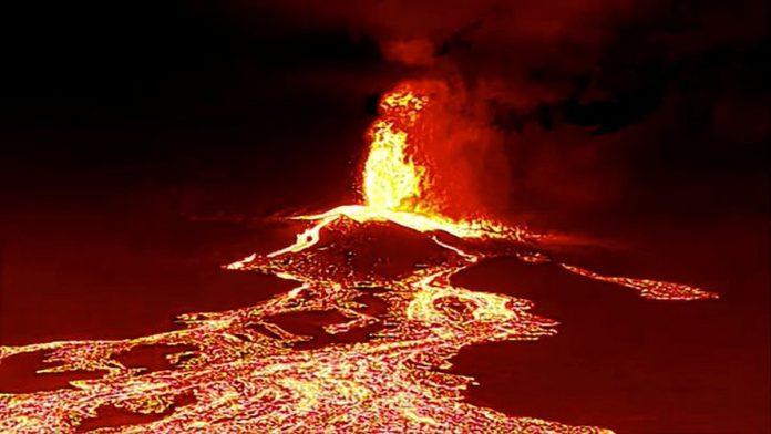 La Palma - naujausia informacija: is antrinio ugnikalnio kugio issiverze naujas lavos srautas